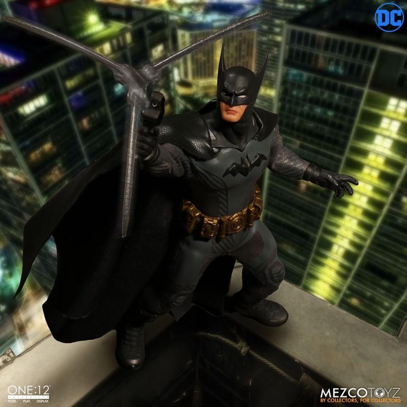 Mezcotoyz One:12 Collective DC Comics Batman Ascending Knight